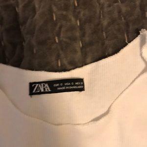 Zara Tops - Zara muscle tee crop top